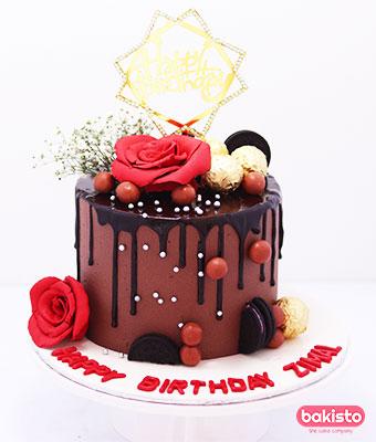Cake by Flavor bakisto.pk