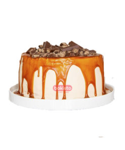 Kitkat Cake with caramel