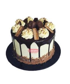 Mars and white cream cake